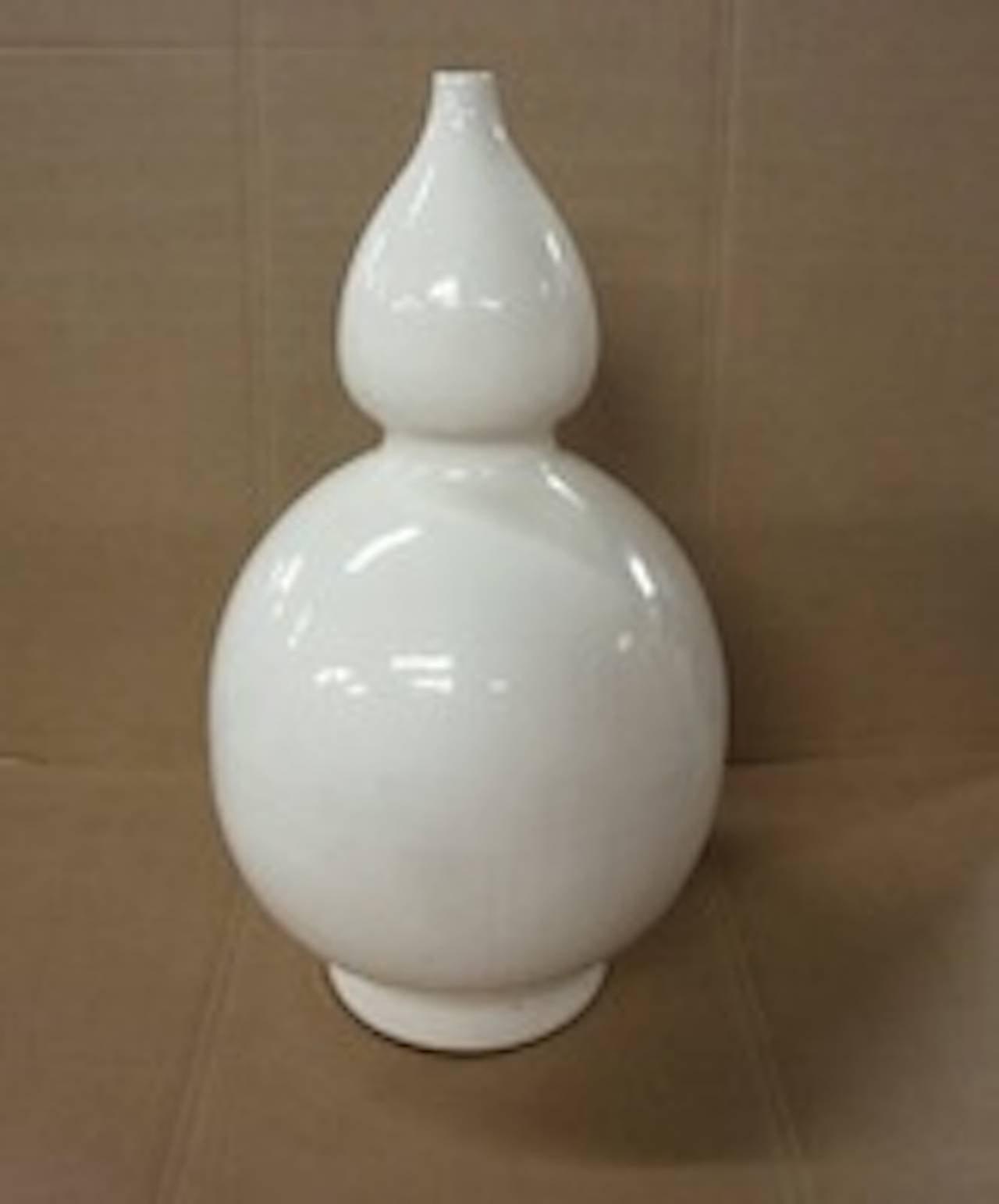 Sculptural Cream Terra Cotta Vases, Contemporary For Sale 1