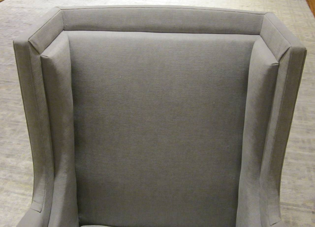Pair of French Upholstered Grey Club Chairs, 1940s In Excellent Condition For Sale In New York, NY