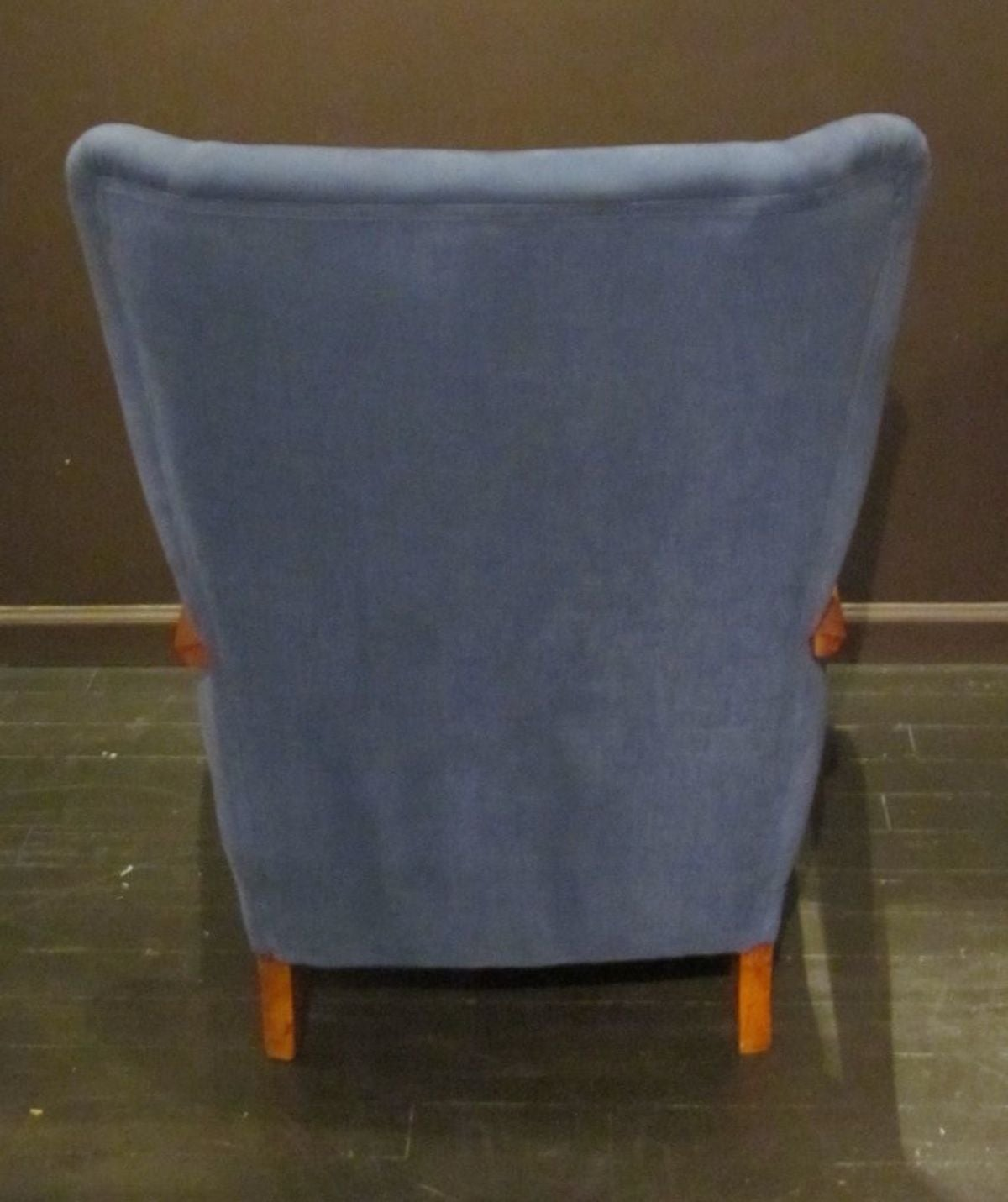 Mid-Century Pair of Upholstered Blue High Back Chairs, Italy, 1960s For Sale 1