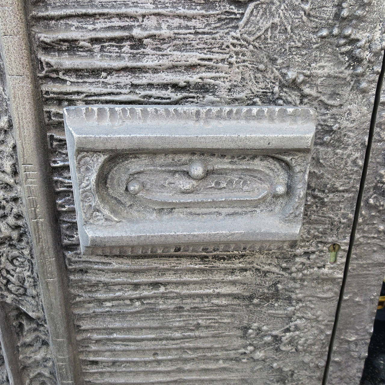 1970s Cast Aluminum Door by Billy Joe McCarroll and David Gillespie In Good Condition For Sale In Los Angeles, CA