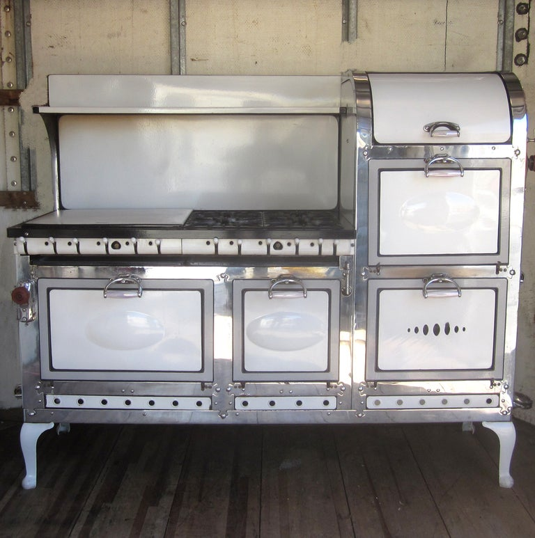 1920 39 s double broiler eight burner stove at 1stdibs. Black Bedroom Furniture Sets. Home Design Ideas