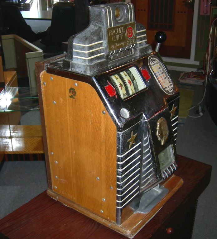 Jennings 25 Cent Bronze Chief Slot Machine Image 2
