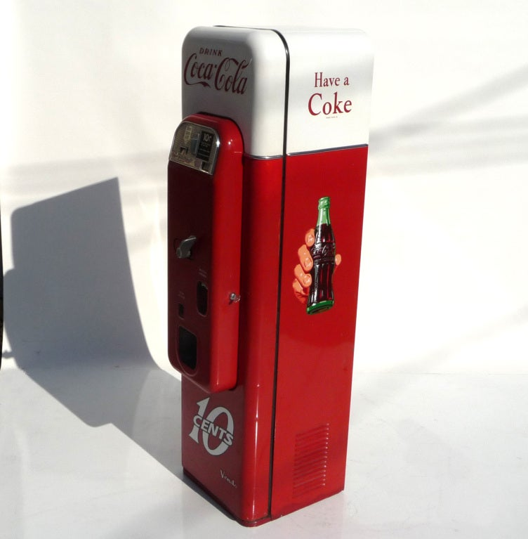 Mid-20th Century Coca Cola Vendo 44 Soda Machine in Original Paint For Sale
