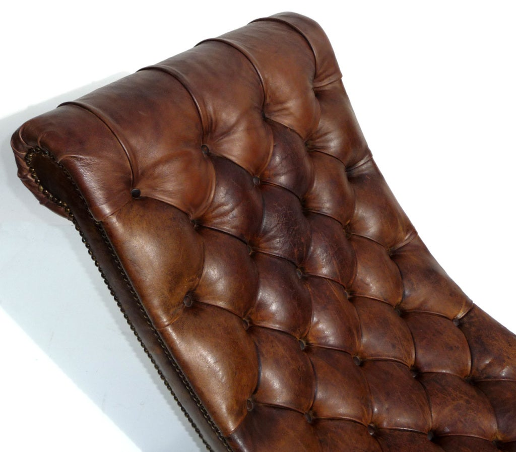 Chesterfield modern leather and aluminum chaise image 4 for Modern leather chaise longue