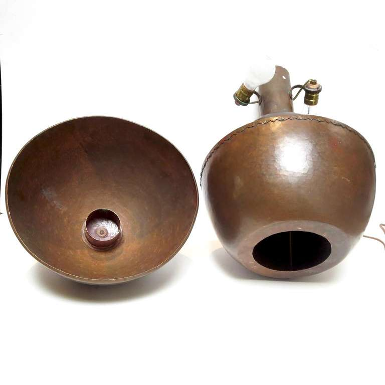 Mid-20th Century Stylized Hammered Copper Lamp in the Manner of Dirk Van Erp For Sale