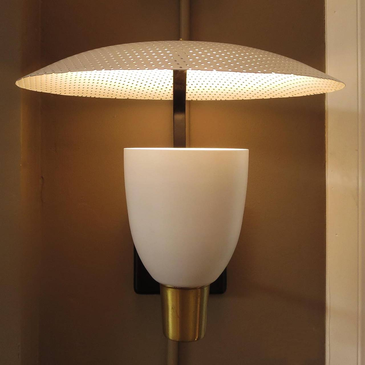 Wall Sconces Mid Century : Mid-Century Wall Sconces in the Style of Stilnovo at 1stdibs