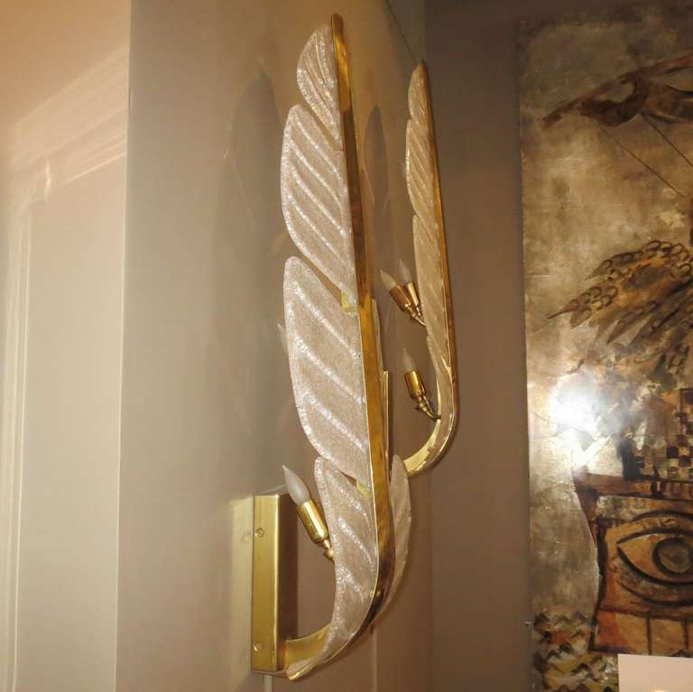 Oversized Murano Glass Palm Leaf Wall Sconces attributed to Barovier e Toso In Excellent Condition For Sale In Los Angeles, CA