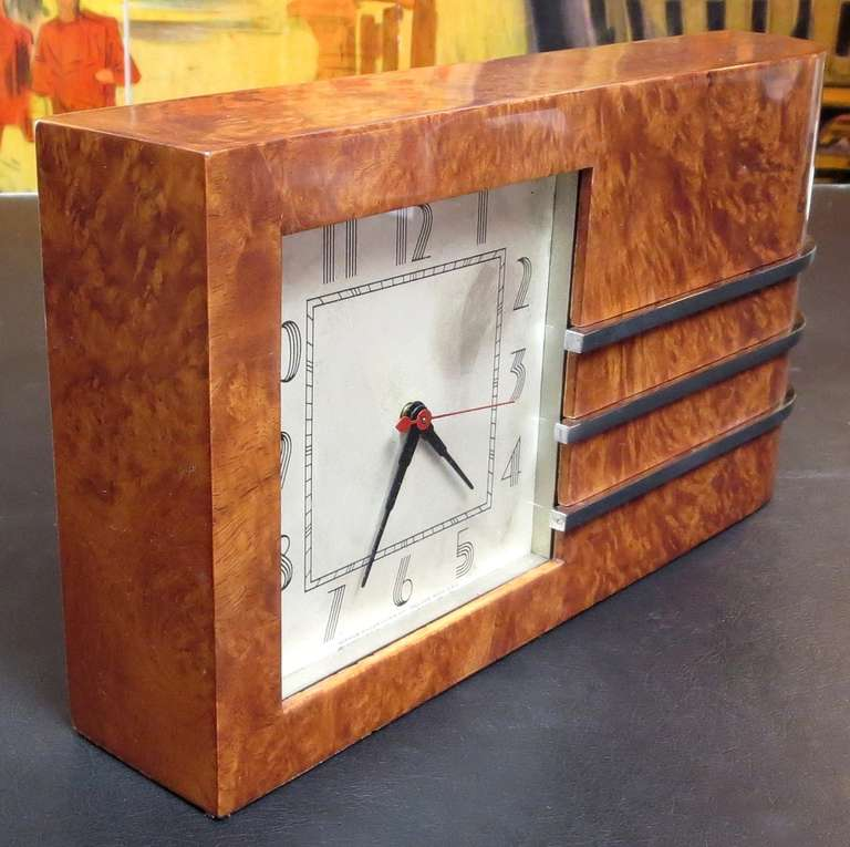 1934 chicago worlds fair art deco clock by gilbert rohde for Art deco furniture chicago