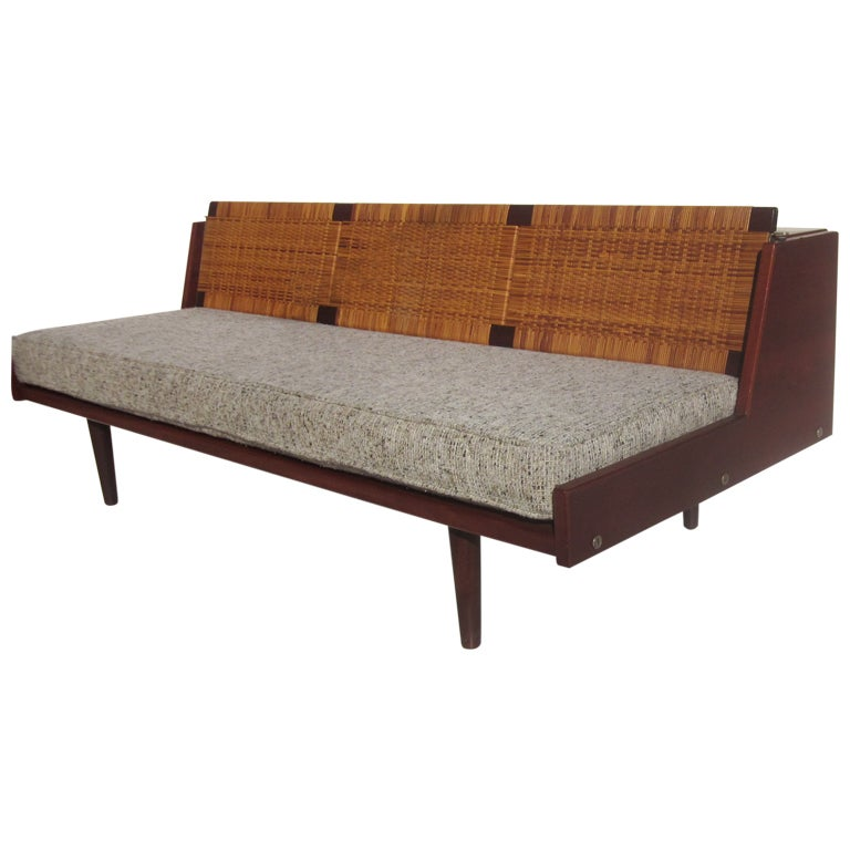 hans wegner expanding sofa daybed for getama at 1stdibs. Black Bedroom Furniture Sets. Home Design Ideas