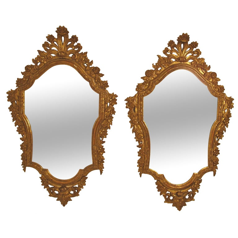 Pair of 18th Century Italian Giltwood Mirrors For Sale