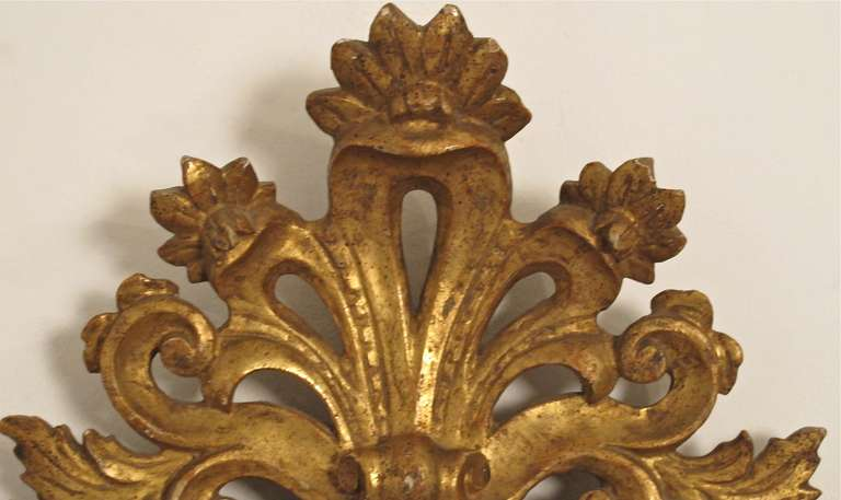 18th Century and Earlier Pair of 18th Century Italian Giltwood Mirrors For Sale