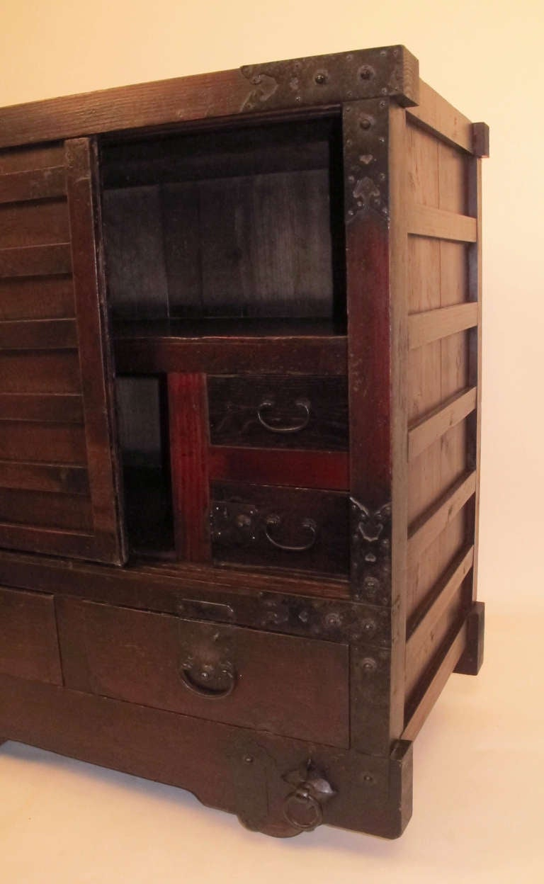 19th Century Japanese Wheeled Merchant Tansu Chest For Sale 5