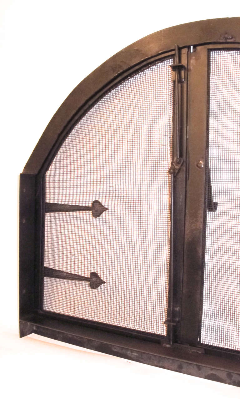 American Arts and Crafts Style Wrought Iron Fire Screen Insert For Sale 2