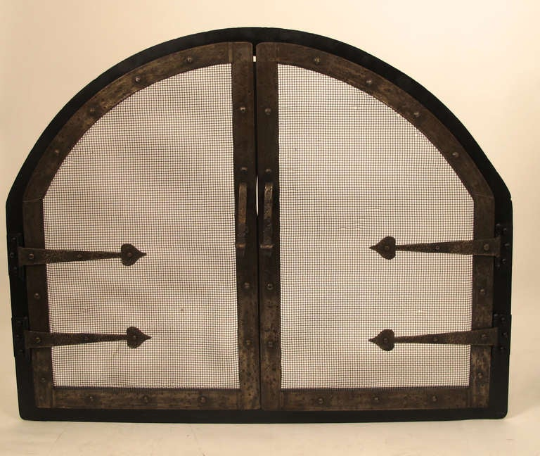 American Arts and Crafts Style Wrought Iron Fire Screen Insert For Sale 1