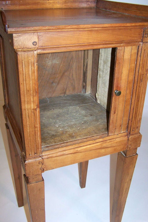 Neoclassical Cherrywood Bedside Table Cabinet, French, Late 18th Century In Excellent Condition For Sale In San Francisco, CA
