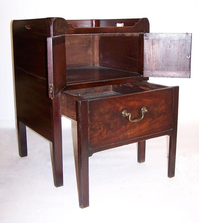 Polished Georgian Mahogany Bedside Commode Cabinet English, circa 1830 For Sale
