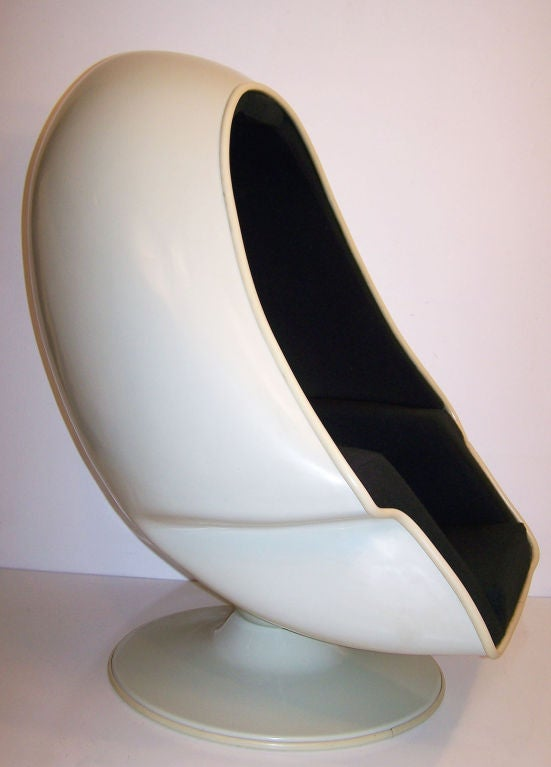 Lee west 1970 39 s egg chair at 1stdibs for 70s egg chair
