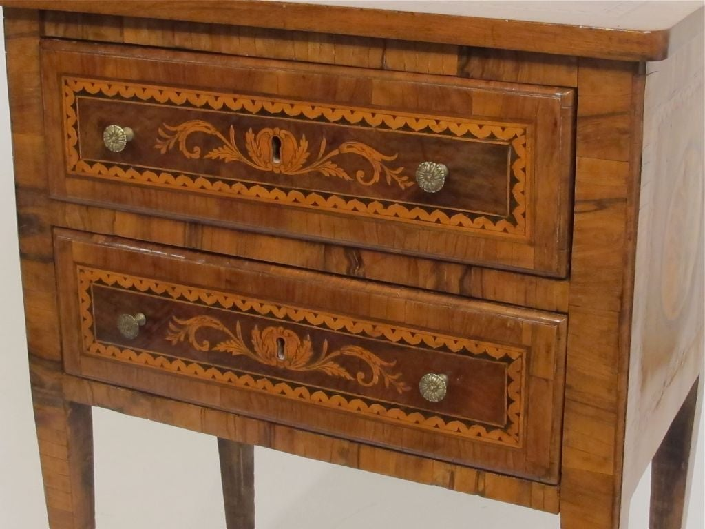 Walnut Marquetry Inlay Comodino Side Table, Italian, 18th Century In Excellent Condition For Sale In San Francisco, CA