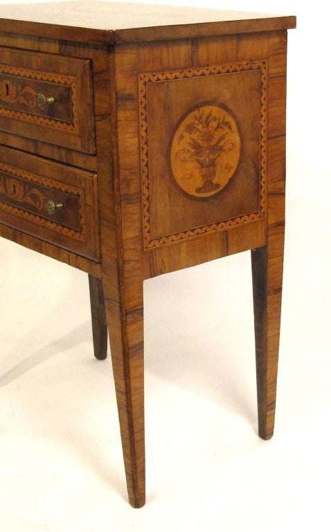 Walnut Marquetry Inlay Comodino Side Table, Italian, 18th Century For Sale 2