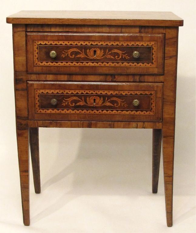 Walnut Marquetry Inlay Comodino Side Table, Italian, 18th Century For Sale 3