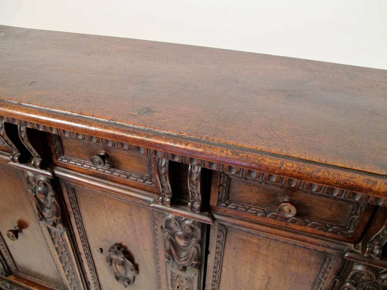 17th Century Italian Buffet or Credenza In Excellent Condition For Sale In San Francisco, CA
