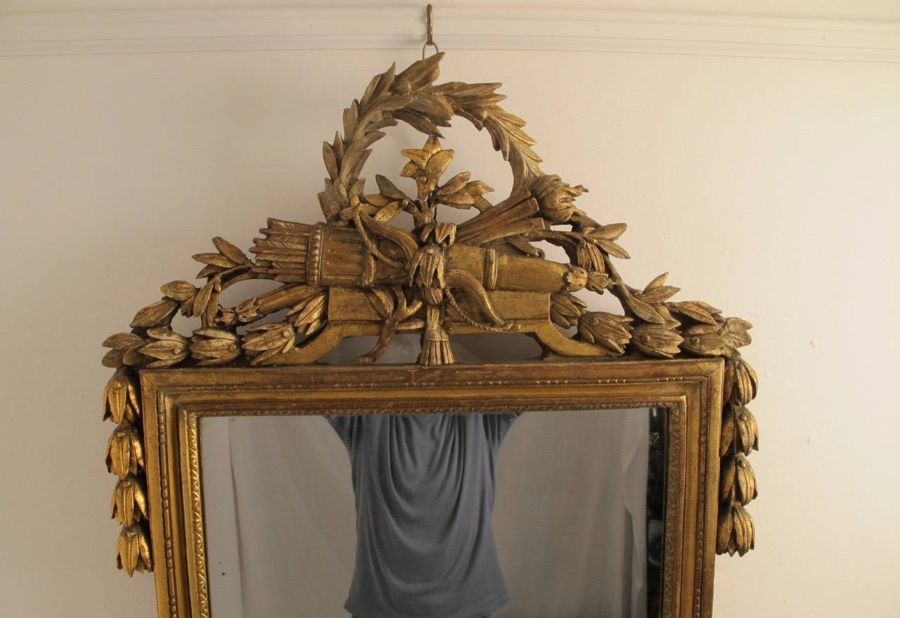 French 18th Century Louis XVI Gilt Framed Mirror For Sale