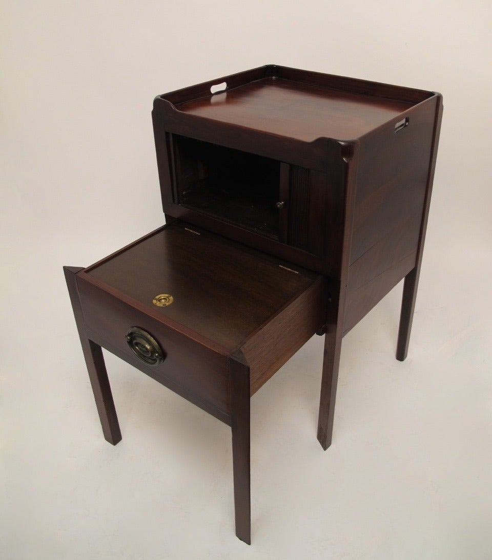 19th century english mahogany commode at 1stdibs for Bedroom furniture 94109