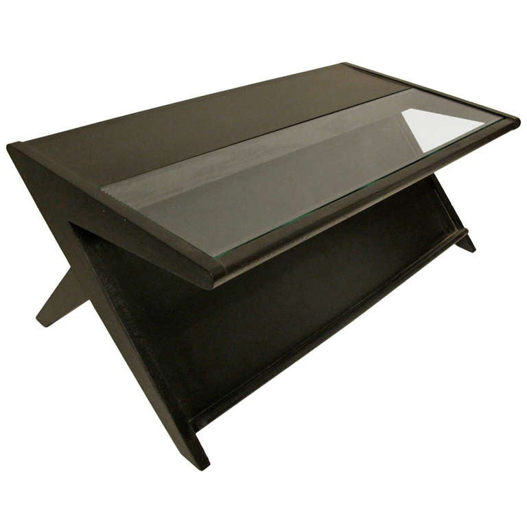 mid century modern coffee table with magazine rack for sale at 1stdibs. Black Bedroom Furniture Sets. Home Design Ideas