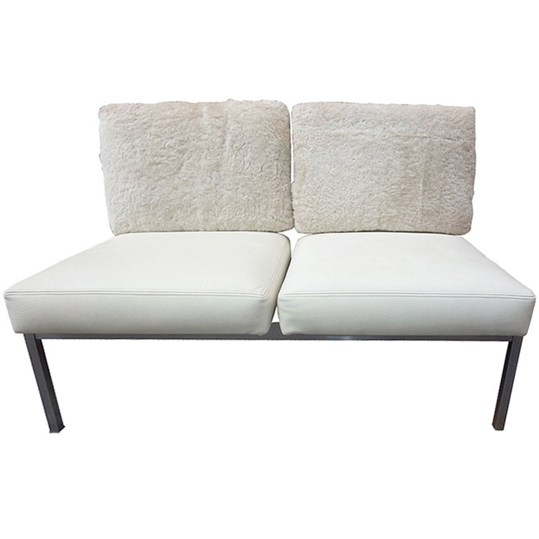 Settee in the Style of Knoll, Milo Baughman For Sale