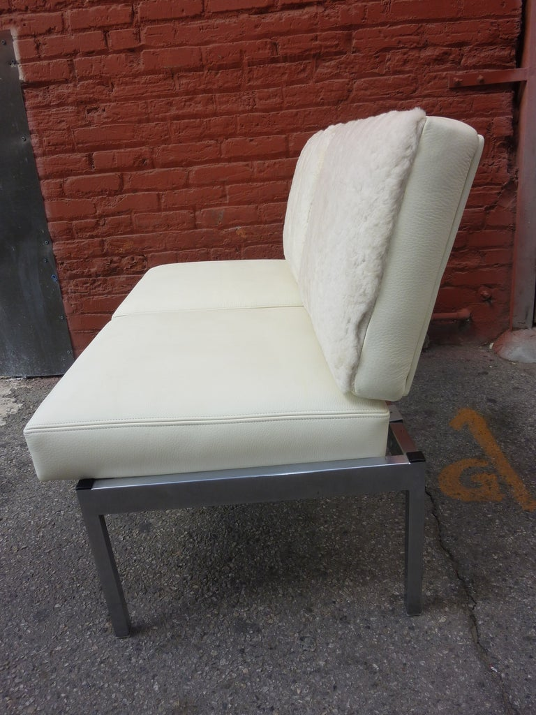 Settee in the Style of Knoll, Milo Baughman In Good Condition For Sale In Los Angeles, CA