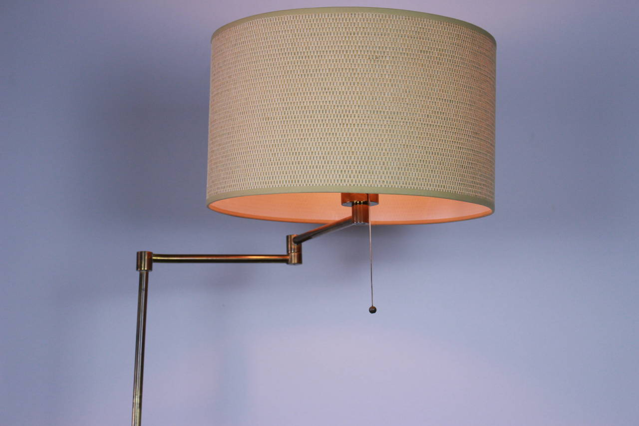 Mid-Century Modern Swing-Arm Floor Lamp in Style of Arredoluce For Sale