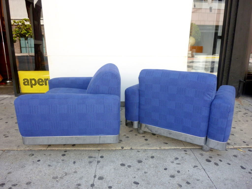 Italian Lounge Chairs In Excellent Condition For Sale In Los Angeles, CA