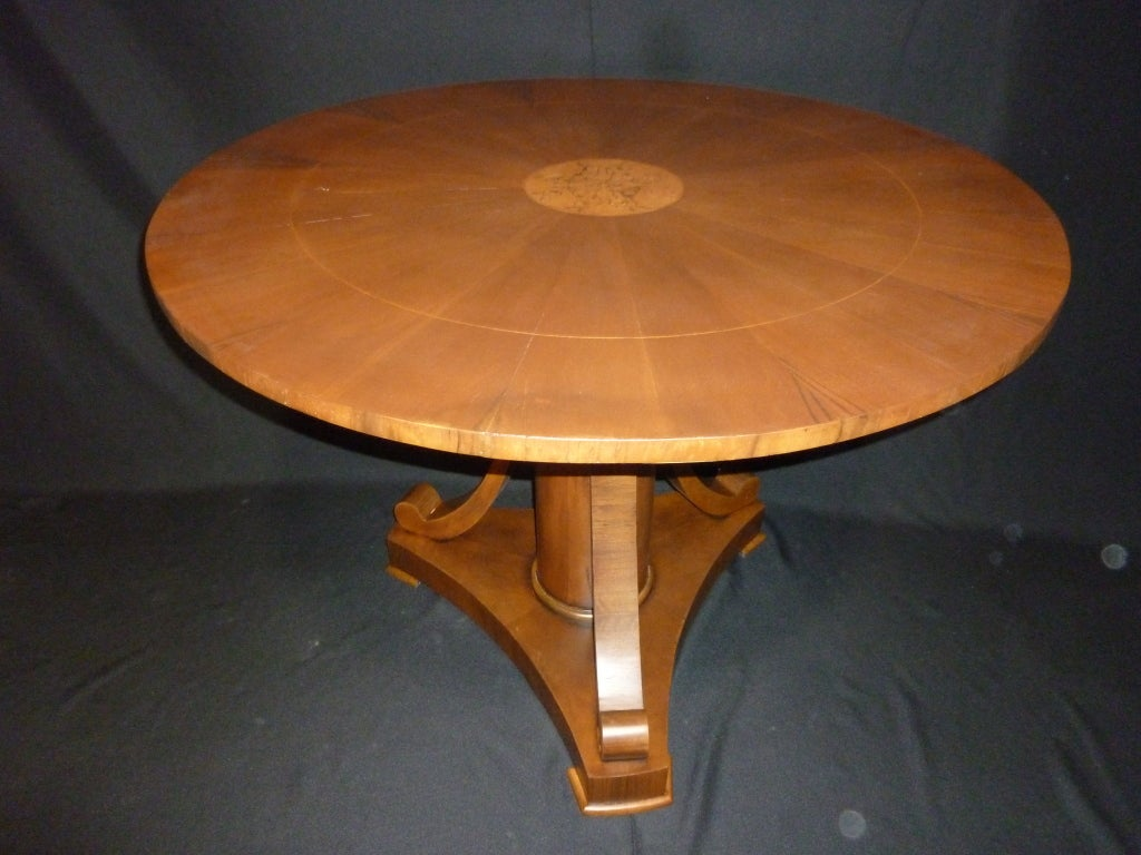 Walnut Magolini Design Table and Four Chairs For Sale