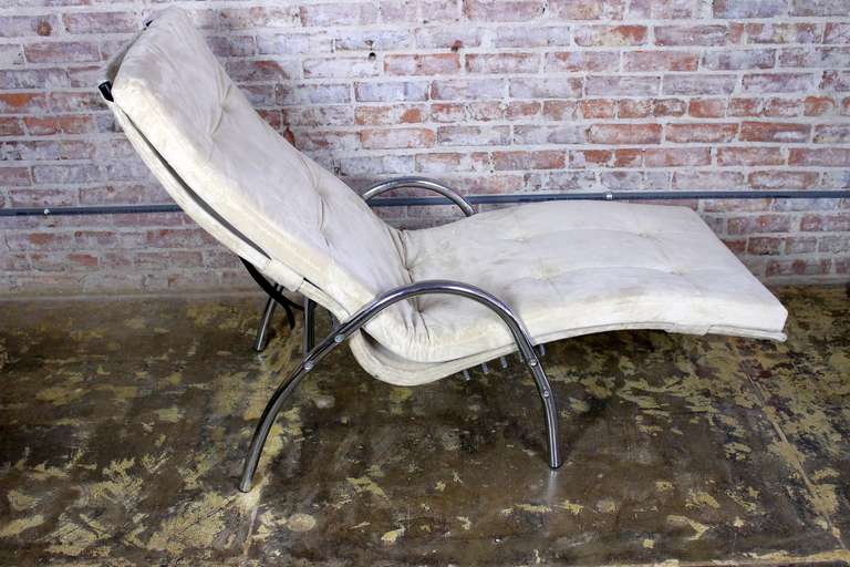 Italian Chaise Longue In Excellent Condition For Sale In Los Angeles, CA