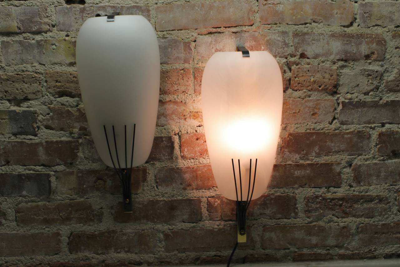 Mid-Century Modern Stilnovo Pair of Wall Lights For Sale