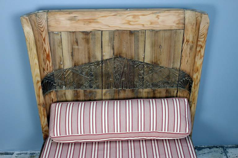 Mid-20th Century French Art Deco Kid's Bed For Sale