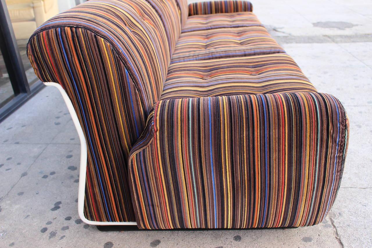 Mid-Century Modern Italian Three-Seat Sofa in the Style of Mario Bellini For Sale