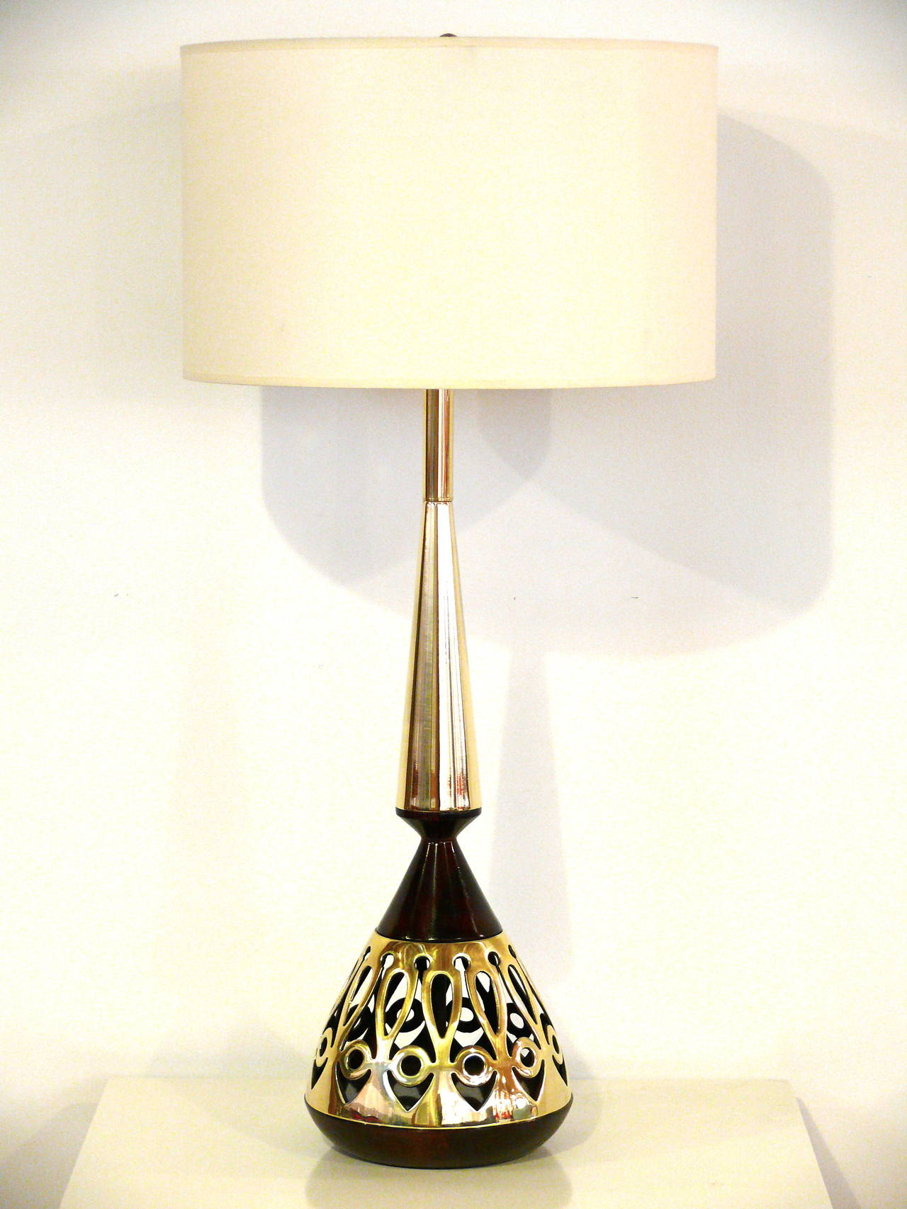 Pair of Tony Paul for Westwood Walnut and Brass Lamps 2