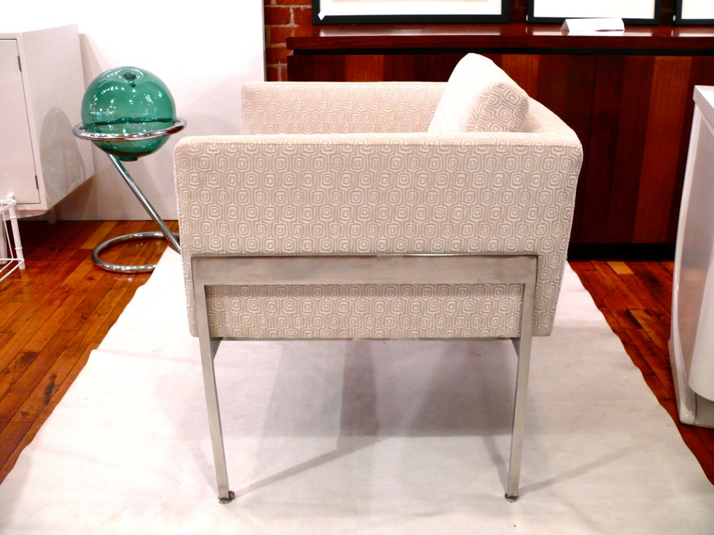American Pair of Chrome and Upholstered Chairs in the Manner of Knoll For Sale