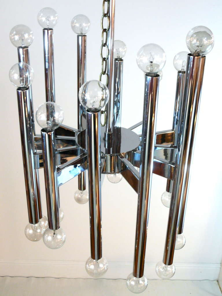 Twenty-Two-Light Scolari Chrome Rod Chandelier In Good Condition For Sale In New York, NY