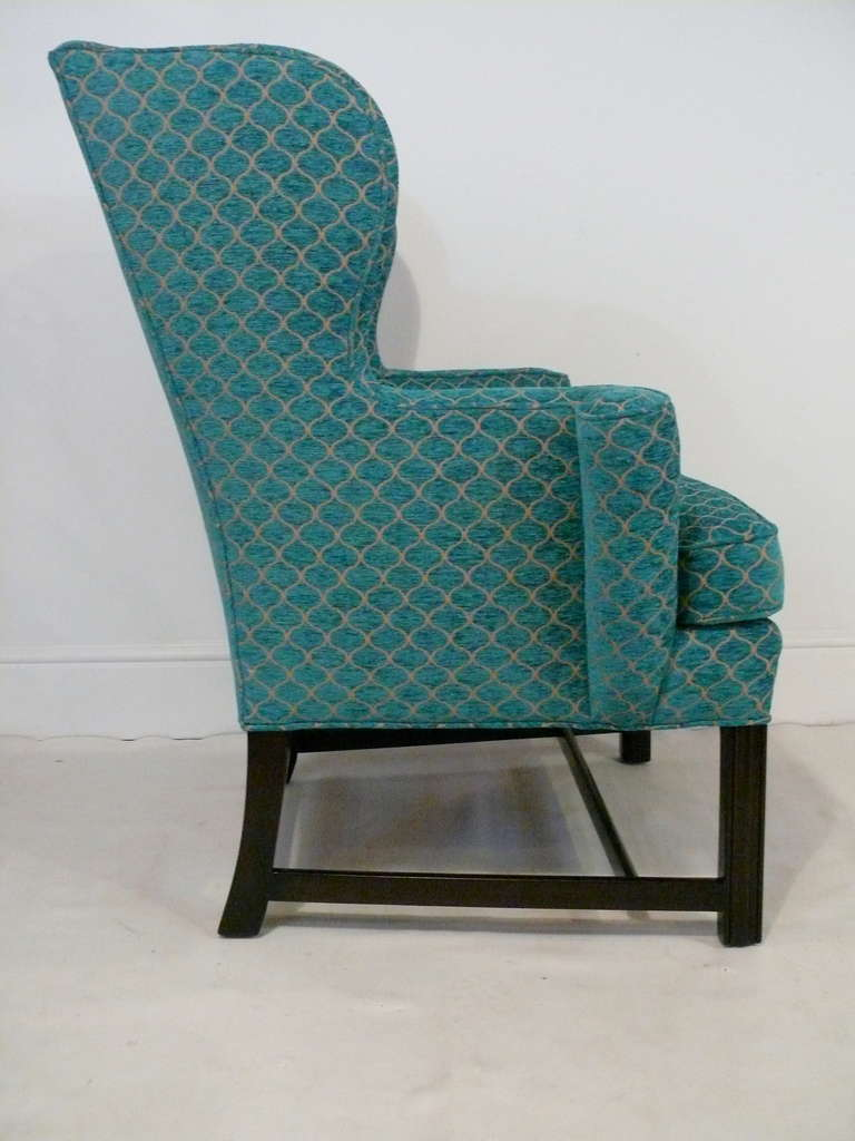 Pair of Curvaceous Wingback Chairs In Excellent Condition For Sale In New York, NY