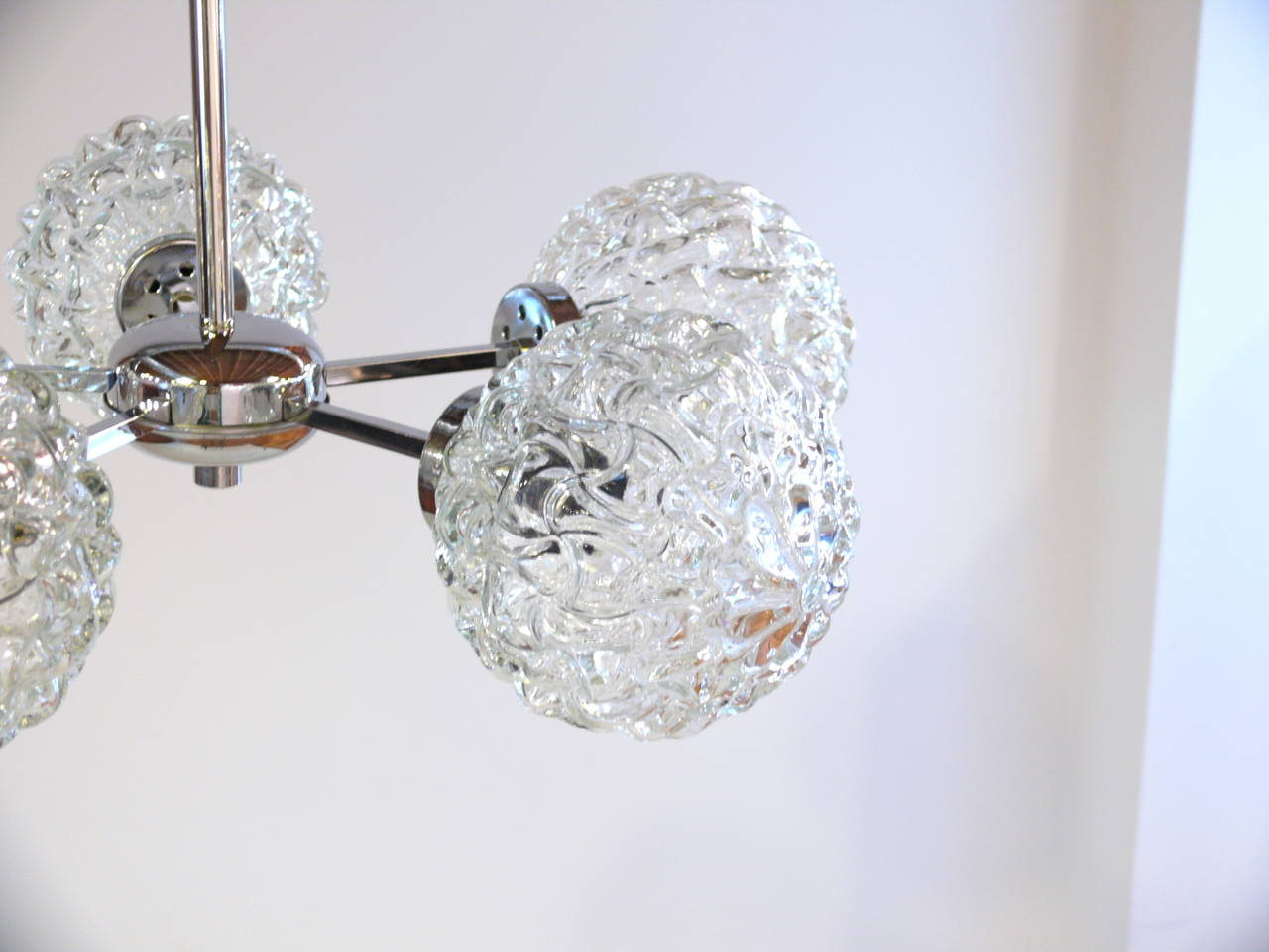 Austrian Five-Globe Glass and Chrome Sputnik Chandelier in the Style of Kalmar For Sale