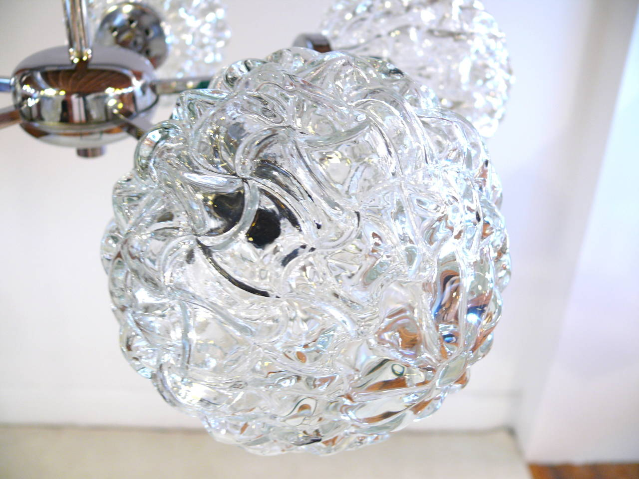 Metal Five-Globe Glass and Chrome Sputnik Chandelier in the Style of Kalmar For Sale