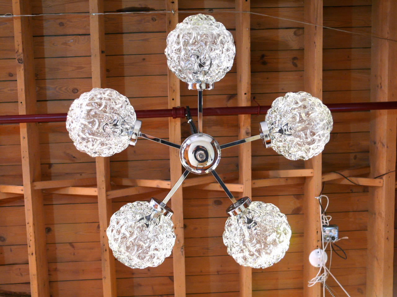 Five-Globe Glass and Chrome Sputnik Chandelier in the Style of Kalmar For Sale 3