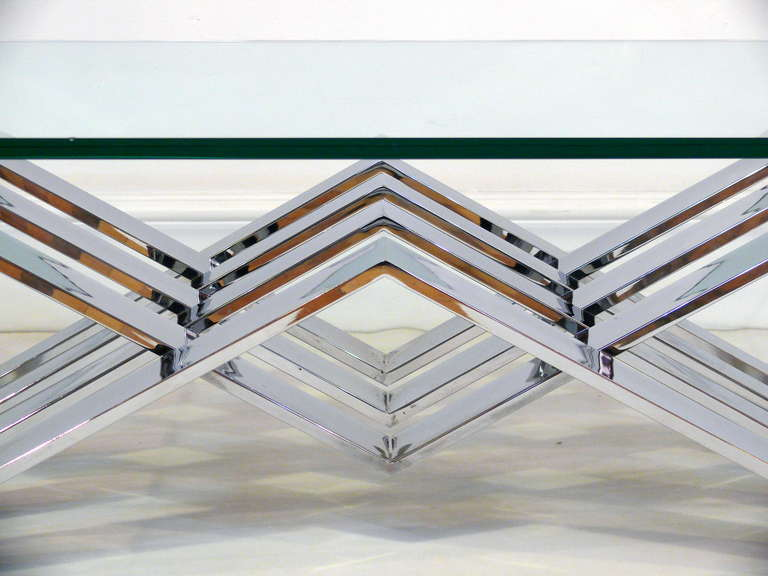 Chrome and Glass Zig-Zag Coffee Table In Excellent Condition For Sale In New York, NY