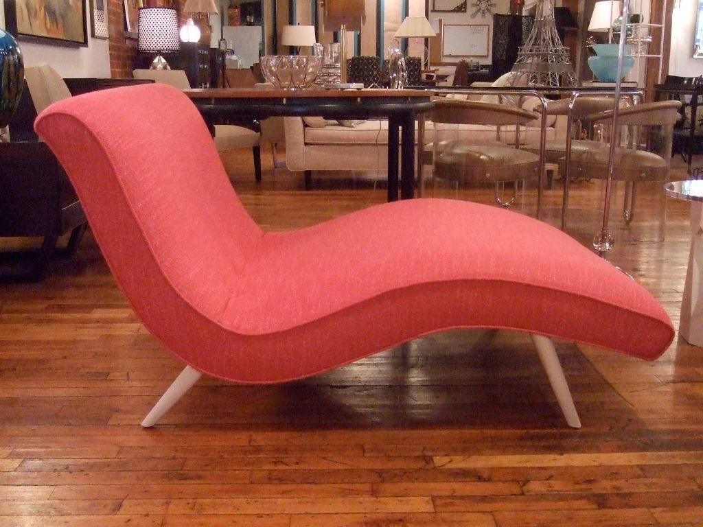 Hot Pink Curvy Chaise Lounge 1