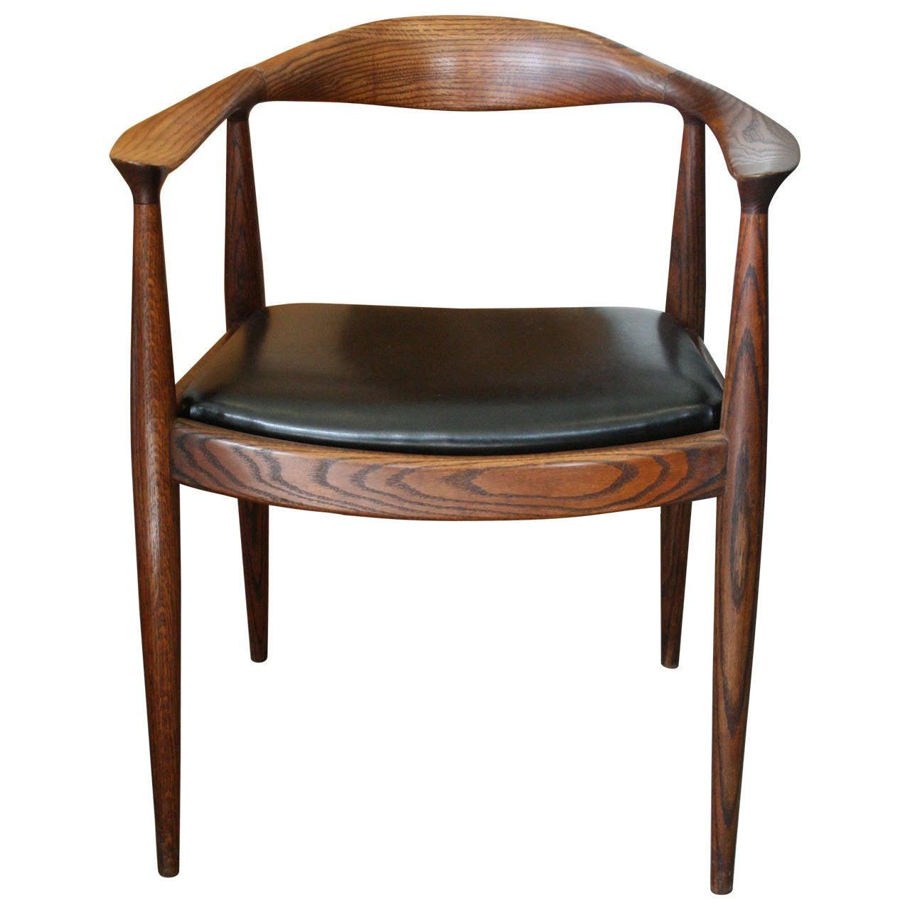 Oak round chair in the style of hans wegner at 1stdibs - Hans wegner style chair ...
