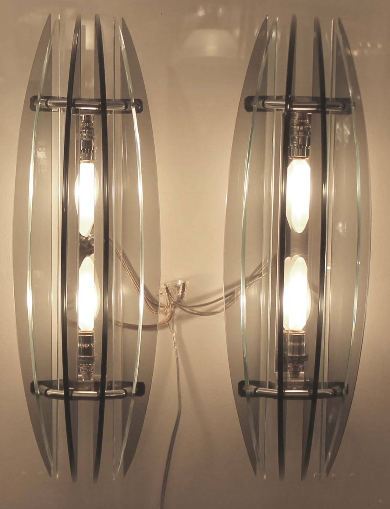 Large Pair of Italian Veca Bi-Color Glass Sconces, 1970s In Good Condition For Sale In New York, NY