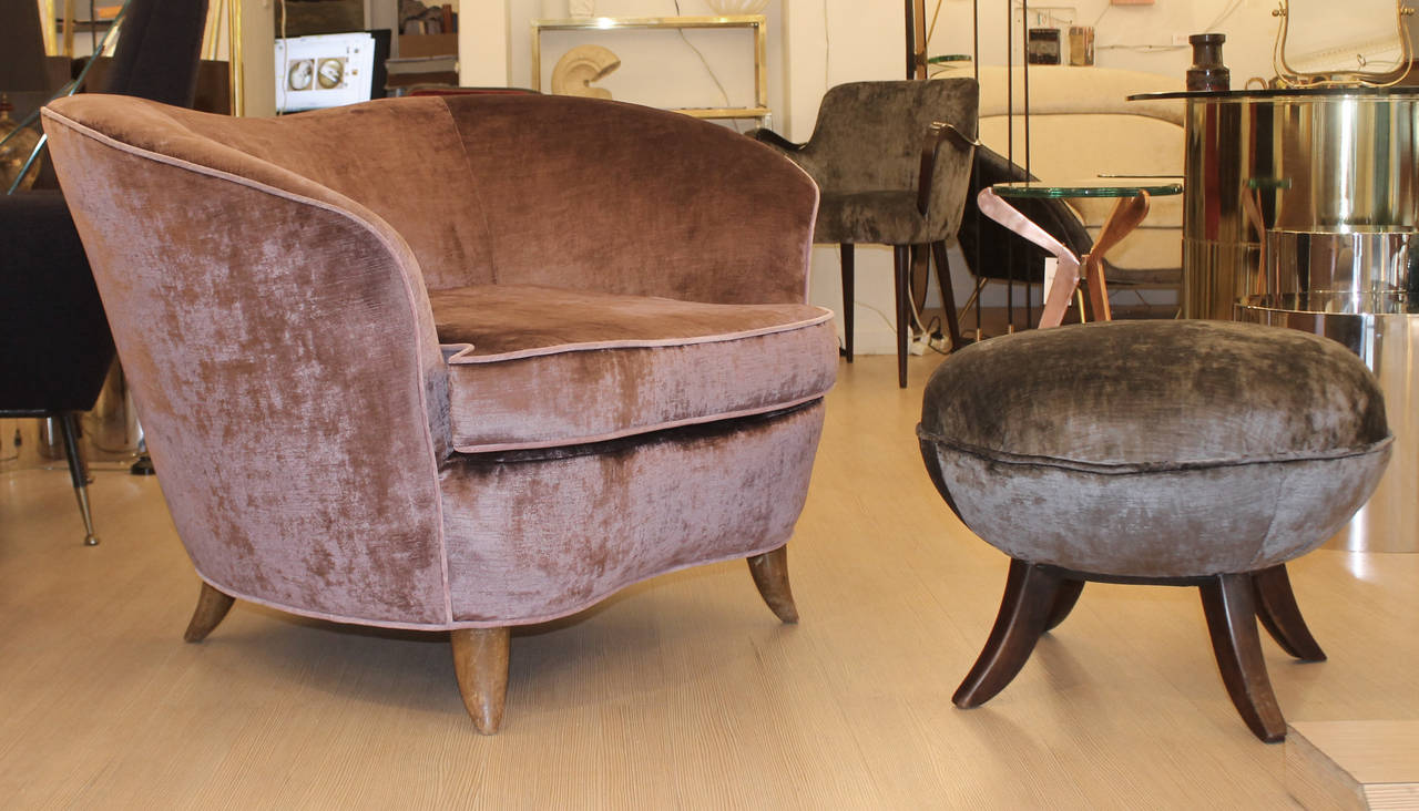 this pair of large comfortable lounge chairs with ottoman is no longer
