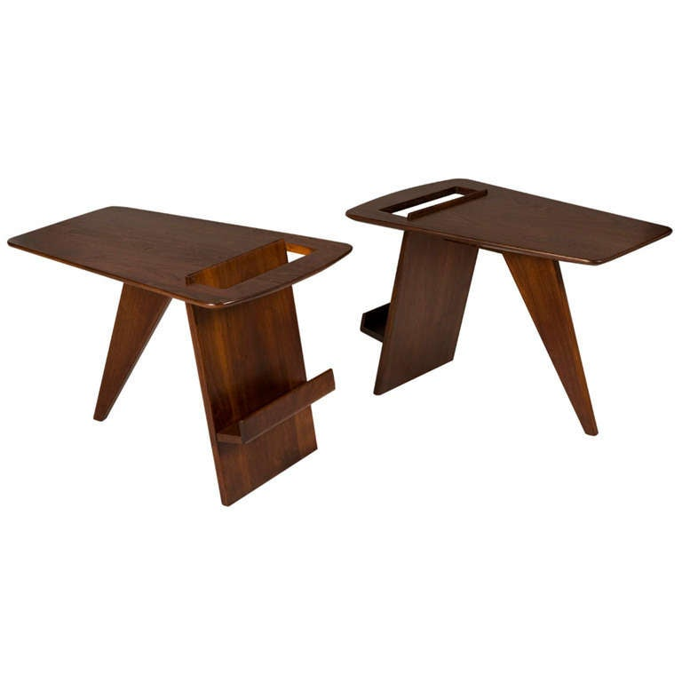 Pair of wedge top magazine tables by jens risom for sale for 13 a table magasin